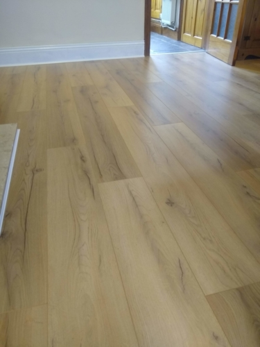 Light Rustic Oak Laminate
